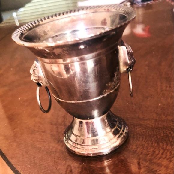Silver tone lion head tea light urn